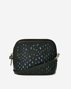Quer-über-den-Körper-zu-tragende-schwarze-Tasche-mit-perforiertem-Schlangenmuster