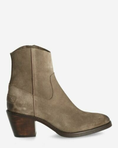 Heeled ankle boot waxed suede taupe