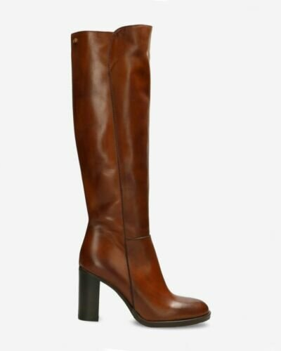 Heeled boot soft smooth leather brown