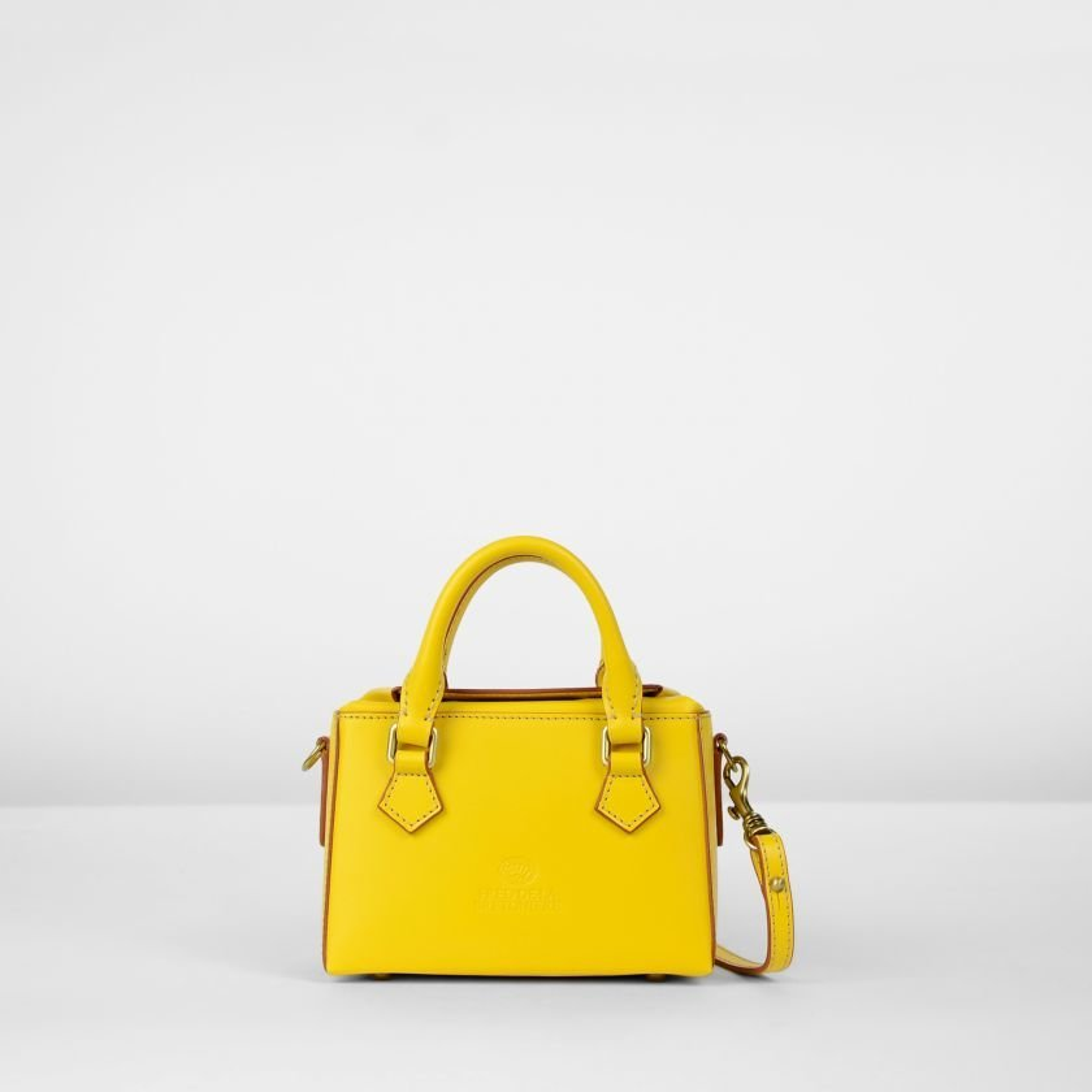 Handtasche-natürlich-gegerbtes-Leder-Gelb